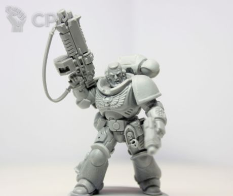 PRIMARIS SPACE MARINE LIEUTENANT WITH AUTO BOLT 1